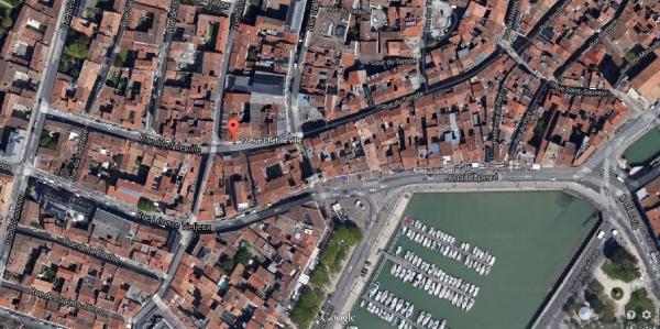 Le notaire Pierre Moreau logeait tout près du notaire Pierre Teuleron (12, rue Chef-de-Ville). (Source : http://racinesrochelaises.free.fr/)