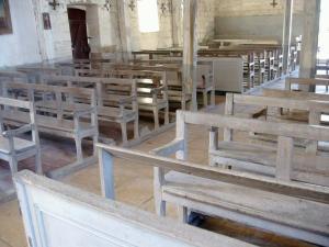 Exemple de bancs de fidèles. XVIIième siècle. Église paroissiale de Géraudot (Aube).  (Source : Ministère de la culture. France. Base Palissy)