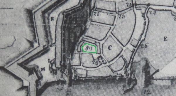 Extrait. Plan de La Rochelle. Emplacement du cimetière de Saint-Jean-du-Pérot. 1627. Le cimetière (49) et les vestiges de l'église Saint-Jean-du-Pérot (25). (Source : Claude Masse, Recueil des plans de La Rochelle, La Rochelle, éditions Rupella, 1979, feuille 9)