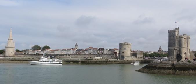 Les tours de la Lanterne, de la Chaîne et Saint-Nicolas. 2015. (Source : Collection Guy Perron)