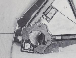 Plan de la tour Saint-Nicolas. (Source : Claude Masse, Recueil des plans de La Rochelle, La Rochelle, éditions Rupella, 1979, feuille 52)