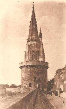 La tour de la Lanterne. Sans date. (Source : René Bergevin, éditeur, La Rochelle. http://christiande.jimdo.com)